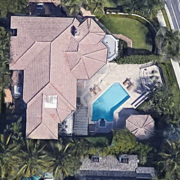 Unique pool shape Palm Beach pool repair